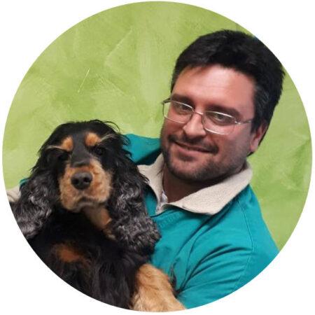 https://www.clinicaveterinarialupoalberto.it/wp-content/uploads/2021/06/Dott-Simone-Tinti-450x450.jpg